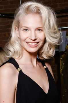 Best Spring 2015 Runway Hair Trends - Top Hairstyles For Spring Bombshell Blowouts at Jenny Packham
