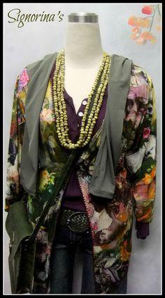 Vintage print blouse - exclusively from Signorina's Printed Blouse, Vintage Prints, Kimono Top, Lady, Womens Fashion, Tops, Women's Fashion, Woman Fashion, Fashion Women