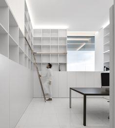 Gallery of La Pinada House / Fran Silvestre Arquitectos - 31