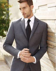 Guia práctica para escoger el traje adecuado del novio