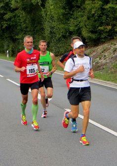 Fränkische Schweiz Marathon am 06.09.2015 - Als laufender Zuschauer beim Fränkischen Schweiz Marathon - Film und Bilder von Thomas Schmidtkonz http://laufspass.com/laufberichte/2015/fsm-2015.htm