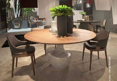 Anfora Table & Velis Side Chair by Potocco