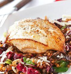KYLLINGFILET MED LUN HELKORNSALAT Pork, Meat, Chicken, Kale Stir Fry, Pork Chops, Cubs
