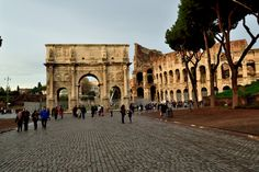 Arch of Constantine, Rome, 315 AD. It was constructed by Constantine to celebrate his vicory over Maxentius at the Battle of the Milvian Bridge.