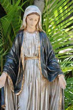 Imagens Sacras - Nossa Senhora Das Graças - 70 Cm - Ir091 Home Altar, Mary And Jesus, Mother Mary, Virgin Mary, Madonna, Marie, Diy And Crafts, Saints, Christian