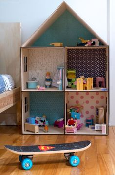 A Lovely Shared Room in Montreal – Petit & Small - Diy furniture beds Cardboard Dollhouse, Cardboard Box Crafts, Cardboard Crafts, Diy Dollhouse, Cardboard Box Houses, Dollhouse Bookcase, Barbie Furniture, Dollhouse Furniture, Diy Furniture