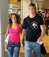 Fernando Torres and wife Olalla Fernando Torres Wife, Footballers Wives, Worst Names, Wife And Girlfriend, Football Players, Girlfriends, Wife Pics, Sexy, Basic Tank Top