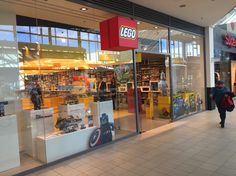 eefeb0121a2 LEGO store Vienna Donauzentrum