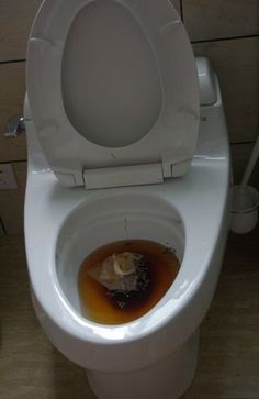 How to Unclog a Blocked Toilet Without a Plunger : 3 Steps - Instructables Unplug Toilet, How To Unclog Toilet, Toilet Drain, Clogged Toilet, Bathtub Drain, New Toilet, Toilet Cleaning, Toilet Bowl, Stopped Up Toilet