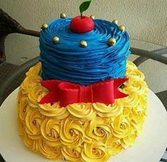 Snow White cake.