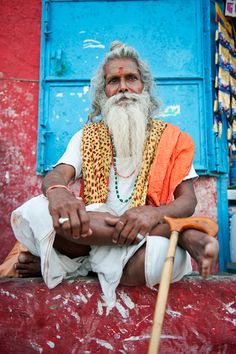 in the Holy City of Varanasi (or Benares). http://olhares.aeiou.pt/a_sadhus_life_29_foto4370684.html