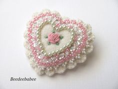 Heart brooch / Felt Heart Pin