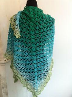 Limited by gehaakte sjaal. Knalgroen/lindegroen