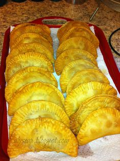 Puerto Rican Beef Empanada RECIPE Ingredients : 1 package of the . - Puerto Rican Beef Empanada RECIPE Ingredients : 1 package of the (white) flour discs, - Comida Latina, I Love Food, Good Food, Yummy Food, Plats Latinos, Havanna Party, Tostadas, Tacos, Beef Empanadas
