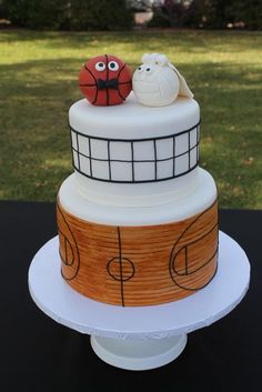 His&Her sports theme Wedding cake~Volleyball&Basketball photo only)