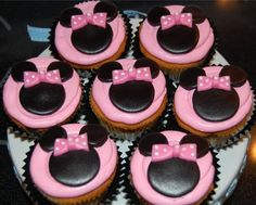 Minnie Mouse cupcakes   Grandpins