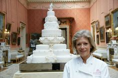 The Royal Wedding Cake, made by Fiona Cairns, was designed using the Joseph Lambeth technique.