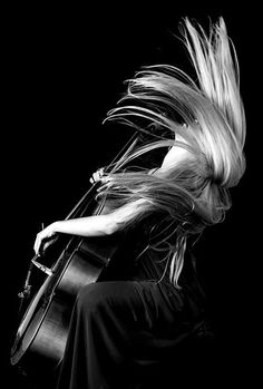 """trulyglimpses: """"~ Her delicate fingers began a soft parade across…. entwined in the firm strings before her. She attempted to be a smooth symphony of rolling meadows and soothing birdsong, a spring. Music Pics, Music Photo, Music Music, Kreative Portraits, Tv Movie, Kahlil Gibran, Foto Art, Photo Black, Sound Of Music"""