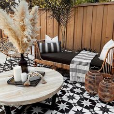 Outdoor Wicker Chairs, Outdoor Daybed, Patio Lounge Chairs, Outdoor Furniture Sets, Outdoor Decor, Rattan Furniture, Patio Lounge Furniture, Outside Furniture, Mid Century Modern Daybed