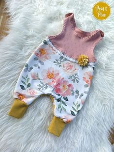 Latest Totally Free sewing baby book Suggestions E-Book Strampelienchen bei Makerist sofort runterladen Outfits Niños, Outfits For Teens, Sewing Projects For Beginners, Sewing Hacks, Sewing Tips, Sewing Patterns Free, Crochet Patterns, Sewing For Kids, Baby Clothes Shops