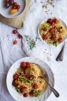 Spaghettis aux tomates rôties et basilic {vegan}