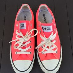 ***PINk CONVERSE ALL STAR*** Pink Converse All Star sneakers...they are in great shape... Converse Shoes Sneakers