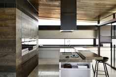 moderne Küche - gradlinige Gestaltung und massive Materialien