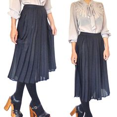 HOLA VINTAGE 90s grunge goth black pleated by HolaVintageShop, $49.00