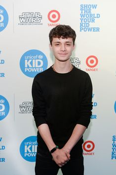 Lucas Jade Zumann Photos - Actor Lucas Jade Zumann attends the UNICEF Kid Power Chicago Event at the Chicago Children's Museum on May 2017 in Chicago, Illinois. Gilbert Blythe, Crush Crush, Pretty Boys, Cute Boys, Zack Y Cody, Gilbert And Anne, Anne With An E, Anne Shirley, Hot Actors