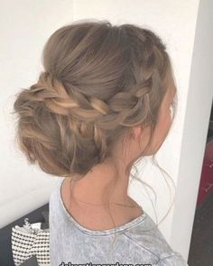 This Gorgeous Wedding Hairstyle Perfect For Every Wedding Season Check out these pretty wedding hairstyle inspiration,simple wedding hairstyle,elegant hairstyle inspiration,wedding hairstyle for long hair Wedding Hairstyles For Long Hair, Elegant Hairstyles, Wedding Hair And Makeup, Bride Hairstyles, Bridal Hair, Hairstyles Videos, Pretty Hairstyles, Braid Hairstyles For Long Hair, Bandana Hairstyles