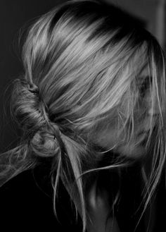 love the messiest nape-knot ever