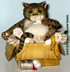 Comic Curious Cats Alley Cat Figurine