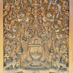 Precioso tallado de madera el el palacio real en Phnom Phen