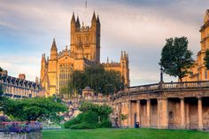 Bath Abbey in the early morning