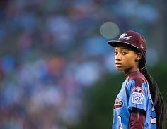 Mo'ne Davis: A Woman Among Boys at the Little League World Series - NYTimes.com http://www.nytimes.com/2014/08/21/sports/being-a-girl-gives-mone-davis-an-edge-at-little-league-world-series.html