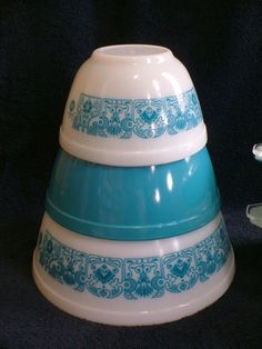 3 PC Set Pyrex Blue Horizon Mixing Bowls-I need the blue bowl & I will have the set!
