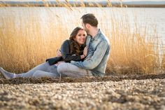 Wunderbares Pärchenshooting am Neusiedlersee. Eine ideale Location für Verlobungsshootings. #verlobung #shooting #fotoshooting #neusiedlersee #verlobungsfotos #pärchenfoto #pärchenshooting #verliebt #verlobt #loveisintheair Love Is In The Air, Location, Couple Photos, Couples, Pictures, In Love, Memories, Photo Shoot, Couple Shots