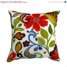 Give an unique look to your patio with this Wilwood Garden outdoor throw pillow. This gorgeous throw pillow features a beautiful floral