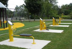 Landscape Structures HealthBeat Outdoor Fitness Equipment Centennial Park, Pelham, Ontario Having a fit and fit body is desirable by everyone. Outdoor Gym, Outdoor Workouts, Easy Workouts, Urban Bike, Outdoor Fitness Equipment, No Equipment Workout, Landscape Structure, Landscape Architecture, Urban Landscape