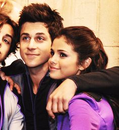76/100 photos of david henrie and selena gomez and jake t austin