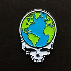 Eyes of the World Stealie pin. Only one of these is available in my etsy shop. Click the link in my bio to get it before it's gone. #gratefuldead #thedead #deadhead #stealie #stealyourface #eyesoftheworld #dead50 #deadandcompany #jaidith #etsy #pin #pins #hatpin #hatpins by jaidith111