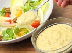 Megtaláltad a tökéletes Caesar salátaöntet receptet! Mert néha az eredeti a… Hungarian Recipes, Summer Salads, Hummus, Salad Recipes, Food To Make, Vegetarian Recipes, Bacon, Clean Eating, Food And Drink