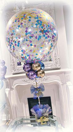 Balloon Centerpieces Wedding, Tulle Centerpiece, Masquerade Centerpieces, Balloon Decorations Party, Wedding Place Settings, Girl Baby Shower Decorations, Wedding Bouquets, Wedding Flowers, Confetti Balloons