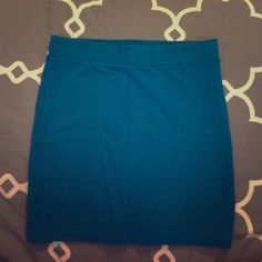 Turquoise Bodycon Skirt Thick waist band, extra stretchy and soft. Worn a few times, too short for my liking now. Like new condition! *Will bundle with other bodycons upon request* Forever 21 Skirts