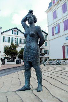 """Biarritz - Francisco LEIRO - """"La femme basque"""""""