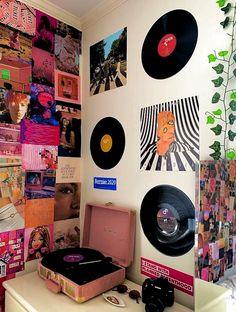 Cute Room Ideas, Cute Room Decor, Indie Room Decor, Hippie Bedroom Decor, Neon Bedroom, Indie Bedroom, Small Room Decor, Teen Room Decor, Girls Bedroom