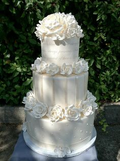 Wedding‬ Cakes That Tastes As Good As It Looks! http://www.modwedding.com/2014/02/26/wedding-cakes-that-tastes-as-good-as-it-looks/ #wedding #weddings #cakes #reception #dessert