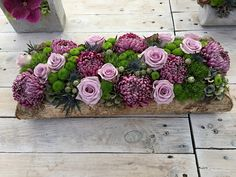 Art Floral, Deco Floral, Flower Centerpieces, Flower Decorations, Wedding Decorations, Cemetery Flowers, Decoration Table, Diy Projects To Try, Funeral