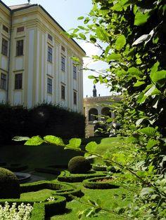 garden and lock Kroměříž