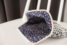 Itselleni muistoksi, muille iloksi ja inspiraatioksi!: Kehyskukkaron ohje Handicraft, Floral Tie, Diy Bags, Purses, Sewing, Wallets, Accessories, Craft, Handbags